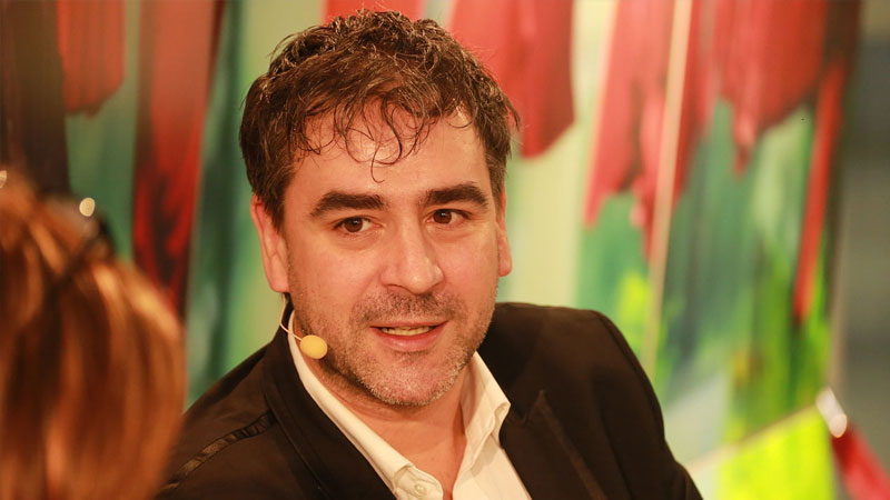 Seit Montag sitzt der deutsch-türkische Journalist Deniz Yücel in der Türkei in Unersuchungshaft. | Foto: Von blu-news.org - Deniz Yücel, CC BY-SA 2.0, https://commons.wikimedia.org/w/index.php?curid=36382520