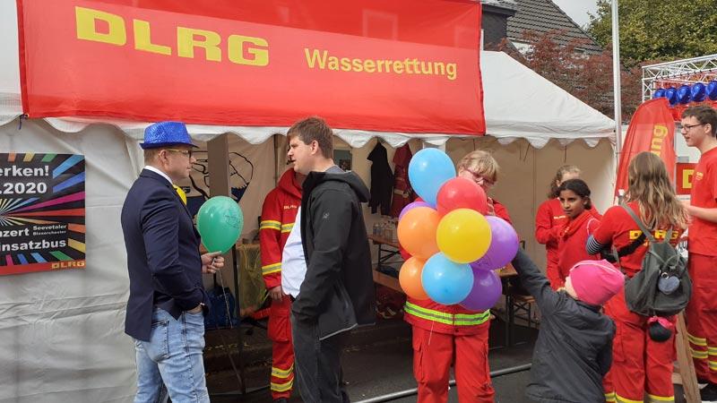Brackeler Maibaumfest: Hunderte tummelten sich auf dem