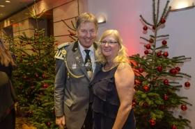 1N8beeMp2017-12-16-winterball-0047nk